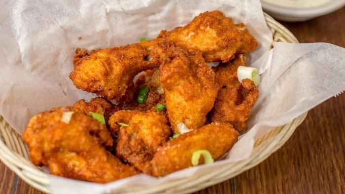 pollo con patatas fritas estilo americano