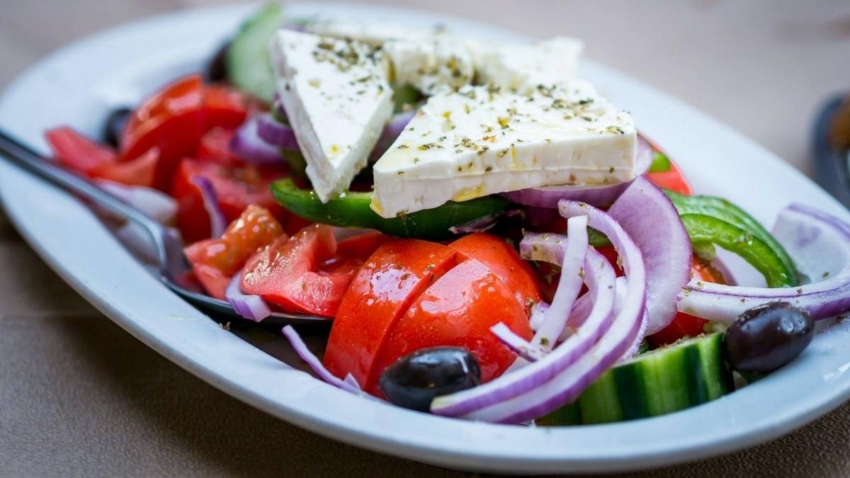 Receta ligera y deliciosa: Ensalada griega