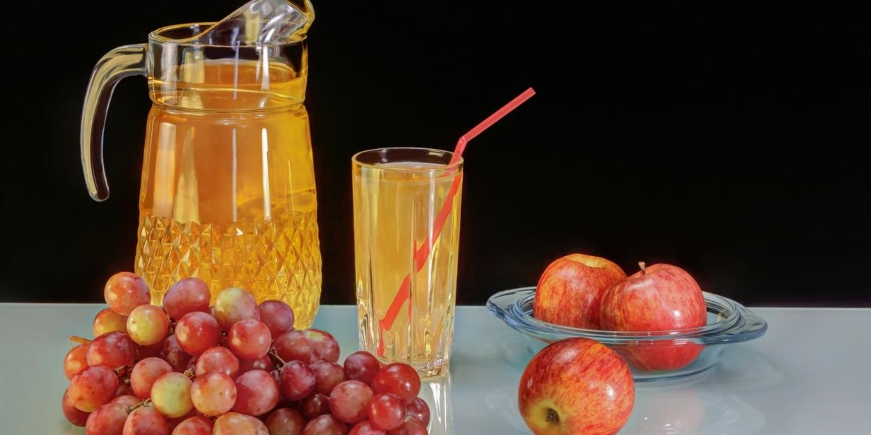 Zumo de uva y manzana