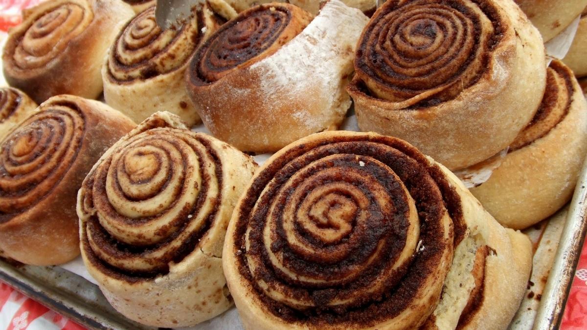 Esponjosos Rollos de canela o Cinnamon Rolls (receta imperdible)